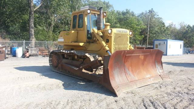 Shelly's Earth Materials : Dresser TD20E Crawler Dozer
